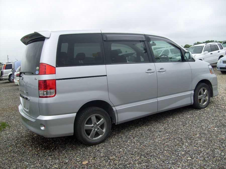 2004 Toyota Noah Wallpapers  2 0l   Gasoline  Automatic