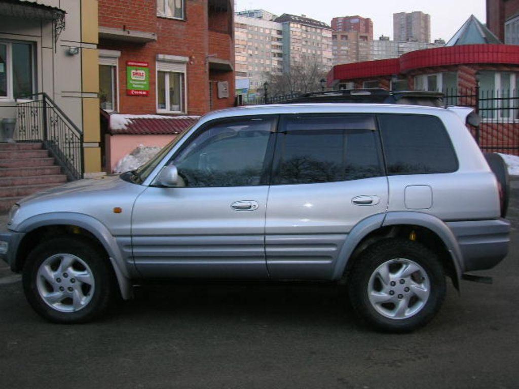 1998 Toyota Rav4 Specs  Mpg  Towing Capacity  Size  Photos