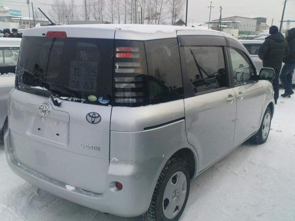 Kekurangan Toyota Sienta 2005 Review