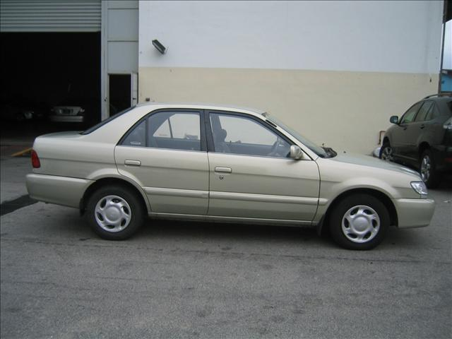 2001 Toyota Soluna Photos