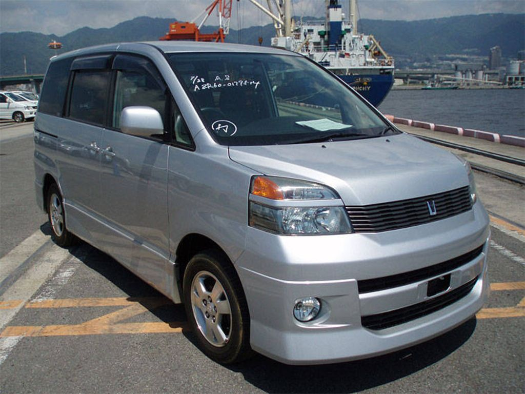 2003 Toyota Voxy Pictures For Sale
