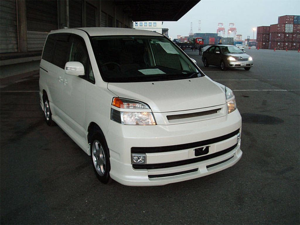 2003 Toyota Voxy For Sale