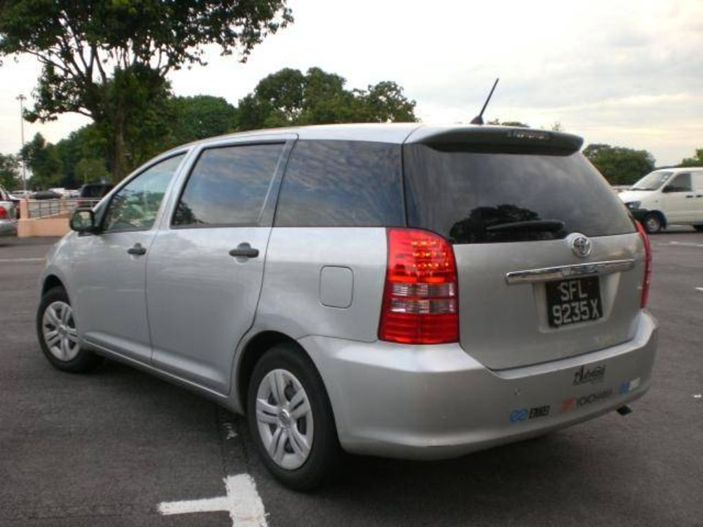2004 toyota wish photos. Black Bedroom Furniture Sets. Home Design Ideas
