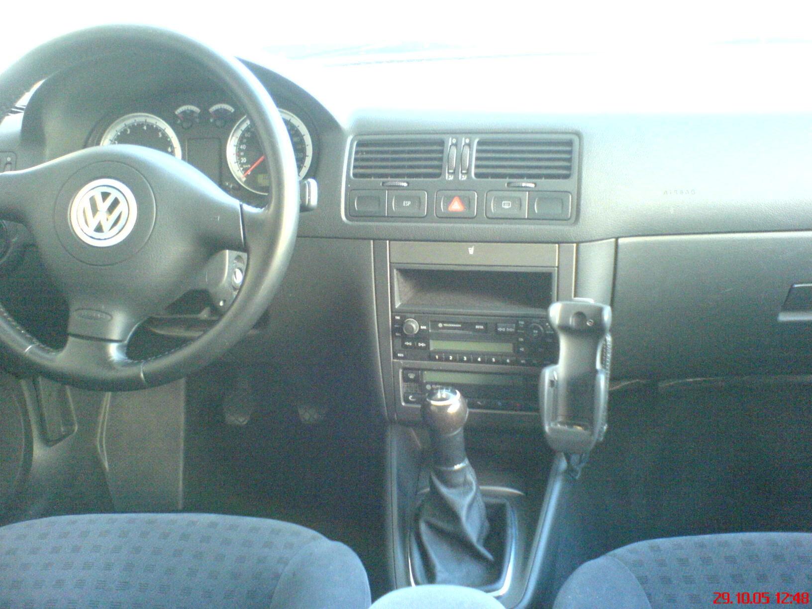 1979 vw jetta with Volkswagen Bora 2679237 3 Orig on 2010 Milan moreover 2003 Volkswagen Passat Pictures C5878 besides 1980 Volkswagen Scirocco Pictures C14365 as well Schaltgeraet Audi Seat VW 191905351B Telefunken Electronic TZ1 TSZ likewise Volkswagen bora 2679237 3 orig.