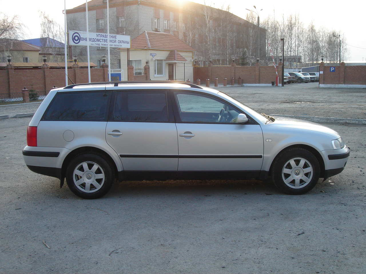 used 2000 volkswagen passat photos 1600cc gasoline ff. Black Bedroom Furniture Sets. Home Design Ideas