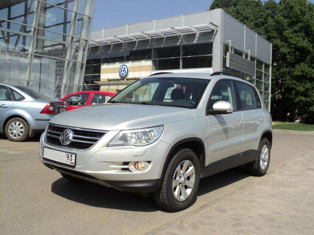 used 2010 volkswagen tiguan photos 2000cc gasoline automatic for sale. Black Bedroom Furniture Sets. Home Design Ideas