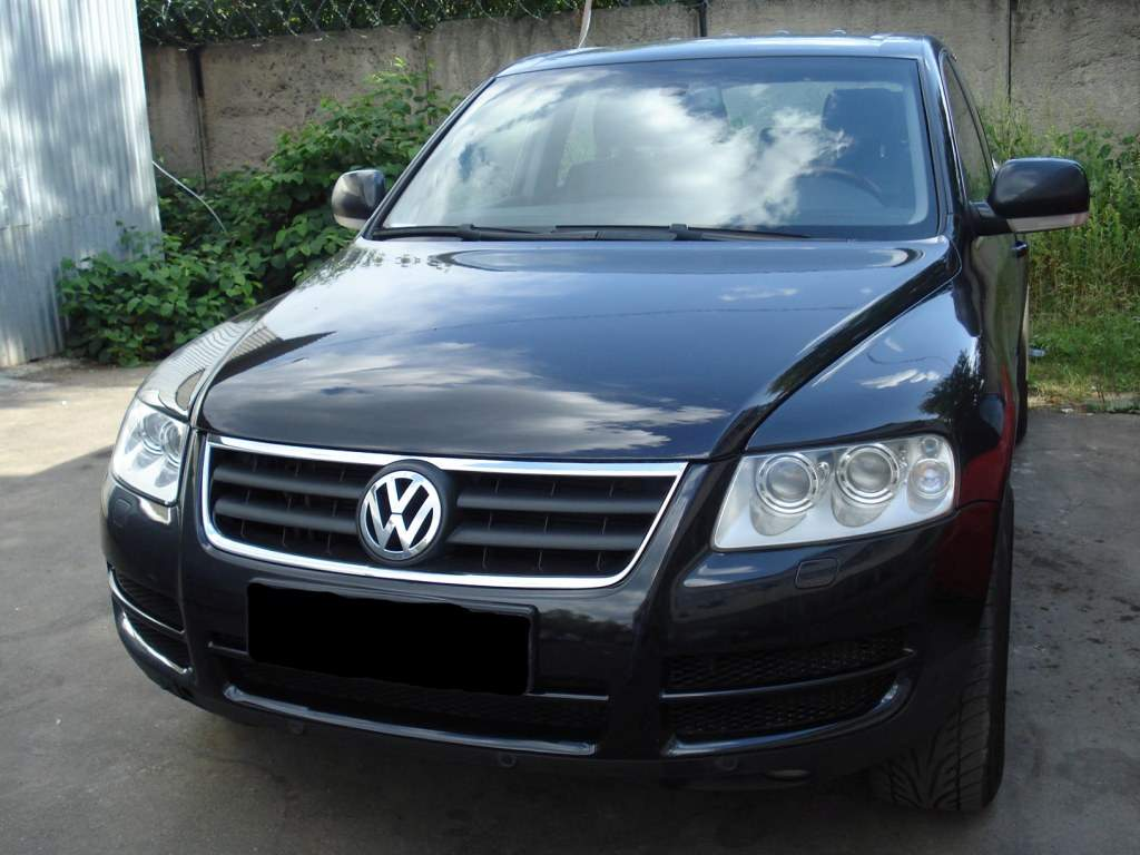 2004 volkswagen touareg photos 4 2 gasoline automatic for sale. Black Bedroom Furniture Sets. Home Design Ideas