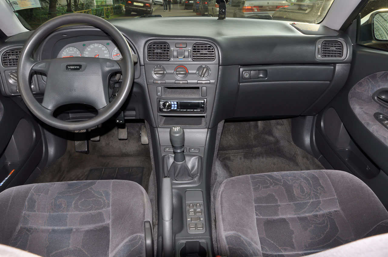 1998 Volvo S40 Pictures, 1600cc., Gasoline, FF, Manual For ...