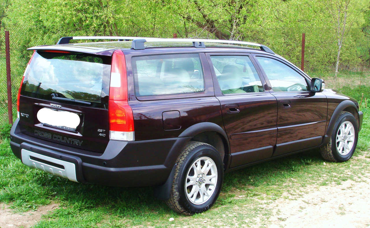 Used 2006 Volvo XC70 Photos, 2500cc., Gasoline, Automatic For Sale