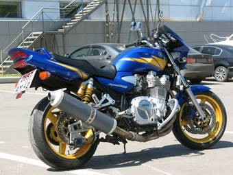 2005 Yamaha XJR1300 Pictures