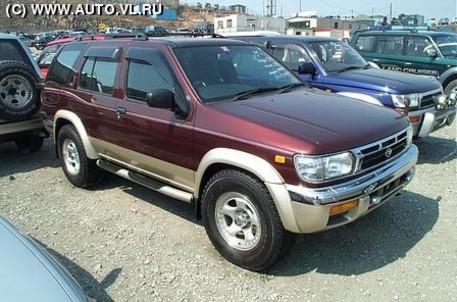 1995 Nissan Terrano Picture