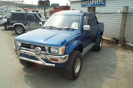 pic_toyota_hilux_pick_up_11059.jpg