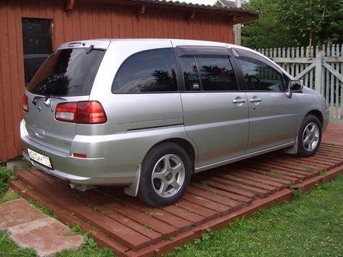 2002 Nissan Liberty