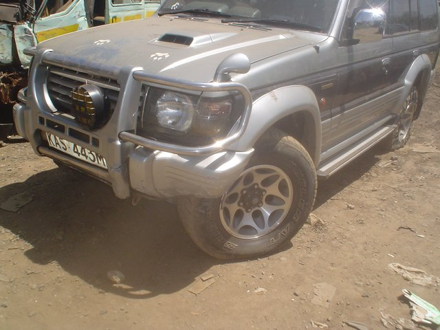 Engine(4M40)V46 Diesel / 1998 Mitsubishi Pajero - Solving